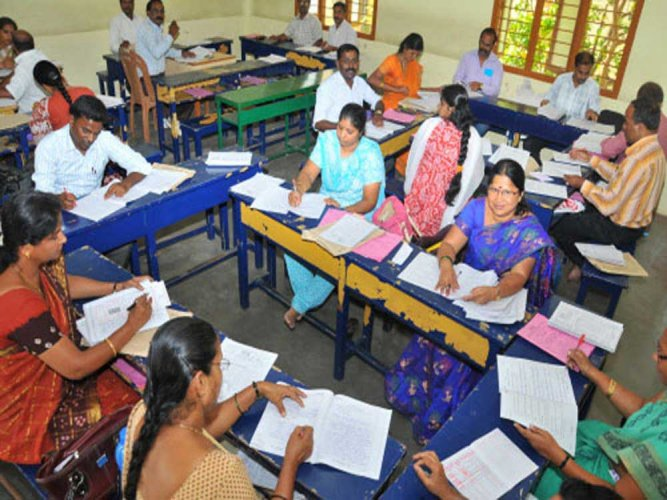 Following criticism by the teachers' association and elected representatives, the education department, for the time being, has only sought an explanation and a detailed report over poor results. (DH file photo)