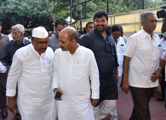 (From left) Congress leaders B R Patil, ministers Sharan Prakash Patil and Vinay Kulkarni, who were in the forefront of the separate Lingayat religionmovement, were defeated by their BJP rivals. DH FILE PHOTO