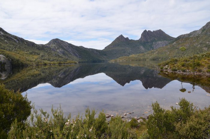 Cradle Mountain reflecting on the waters of Dove Lake, Tasmania