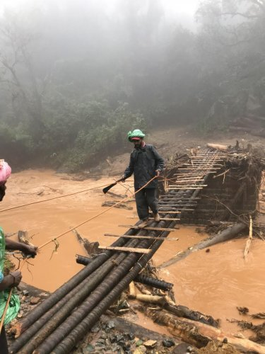 A makeshift footbridge is the only way for connectivity in Second Monnangeri in Madikeri. DH PHOTO