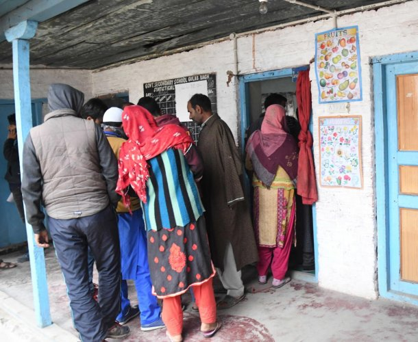 Out of 598 wards spanning across 40 municipal bodies in 10 districts of the valley, polling was held only in 186 wards. (DH file photo)