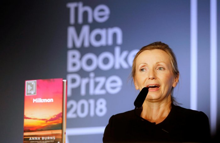 Writer Anna Burns delivers a speech after she was presented with the Man Booker Prize for Fiction 2018 by Britain's Camilla, the Duchess of Cornwall during the prize's 50th year at the Guildhall in London, Britain, October 16, 2018. (Frank Augstein/Pool v