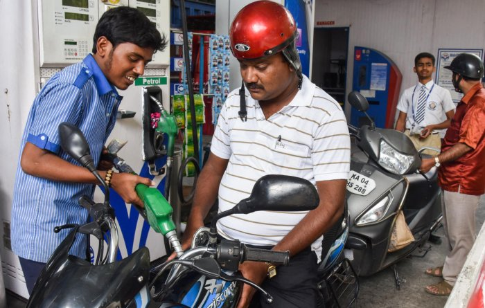 Higher crude oil prices in the global market sent fuel and power inflation to a 5% high in one month. (DH File Photo/S K Dinesh)