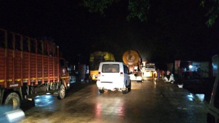 Heavy vehicles use the Shiradi Ghat road.
