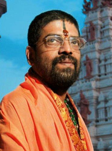 Shiroor Mutt seer Lakshmivara Theertha Swami