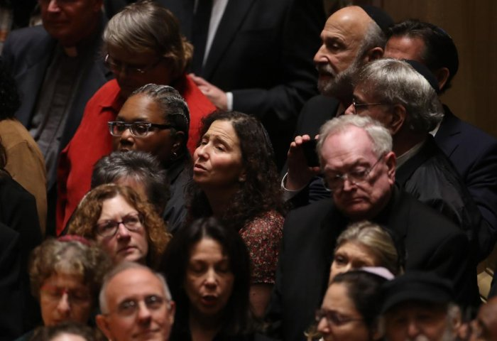 Mourners attend a memorial service at the Sailors and Soldiers Memorial Hall of the University of Pittsburgh, a day after 11 worshippers were shot dead at a synagogue in Pittsburgh, Pennsylvania, U.S., October 28, 2018. (REUTERS)