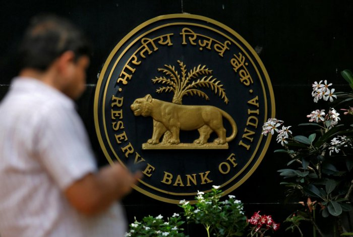 The cold war between the government and RBI hotted up last week.