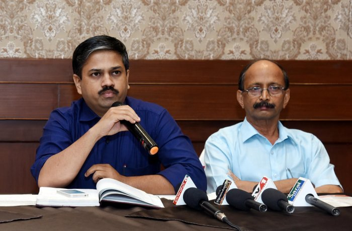 Mangaluru Lit Fest Organising member Sriraj Gudi speaks to mediapersons, in Mangaluru, on Tuesday.
