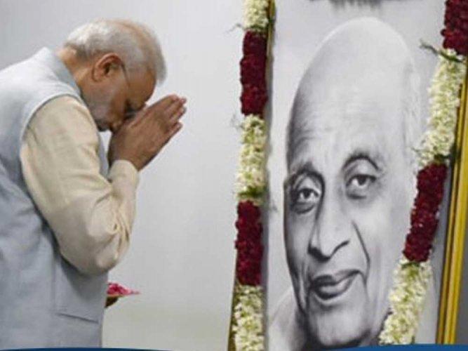 Prime Minister Narendra Modi paying tributes to Sardar Vallabhai Patel. PTI file photo.