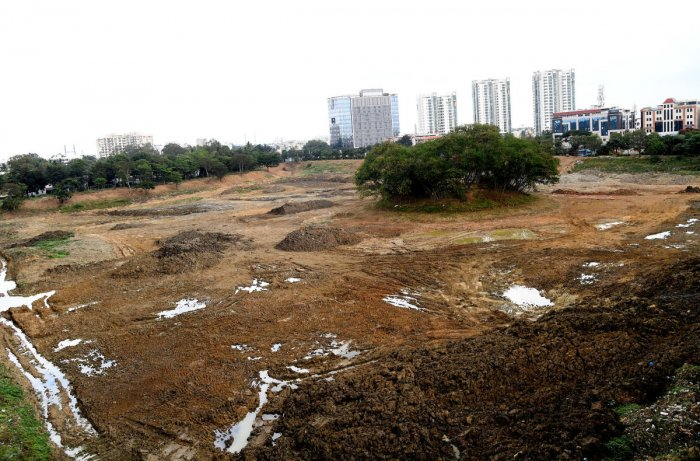 Benniganahalli and Bhattahalli lakes will see better days as the BBMP is removing silt from them. DH PHOTOS/Srikanta Sharma R