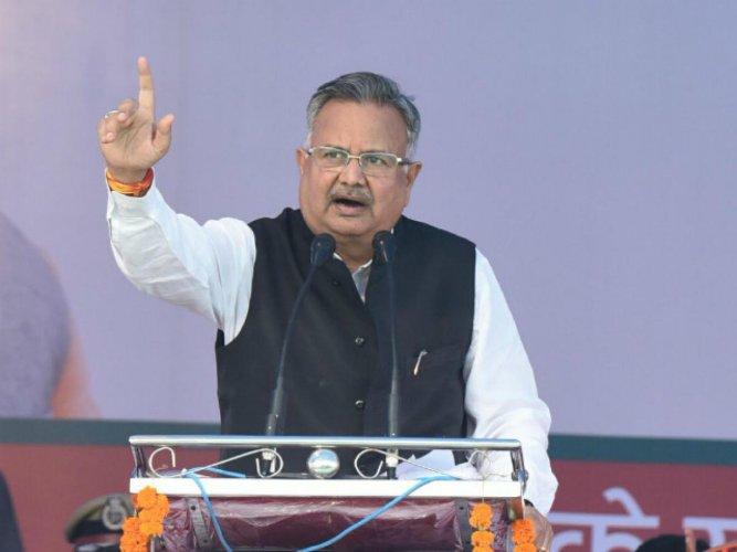 Chhattisgarh Chief Minister Raman Singh addressing an election meeting at Bilaigarh.