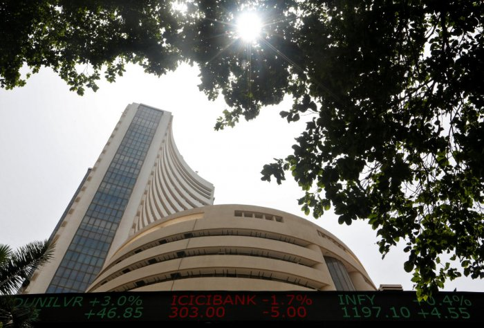 The benchmark Sensex slipped below the 35,000-mark by dropping over 100 points to 34,911.11 in early trade Monday after banking, metal and auto stocks declined following weak global cues and profit-booking. Reuters File Photo