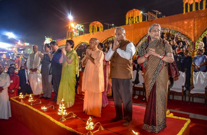Yogi Adityanath, chief guest South Korean First Lady Kim Jung-sook, MoS for External Affairs V K Singh and others offer prayers during grand Diwali celebrations 'Deepotsav' in Ayodhya. PTI photo