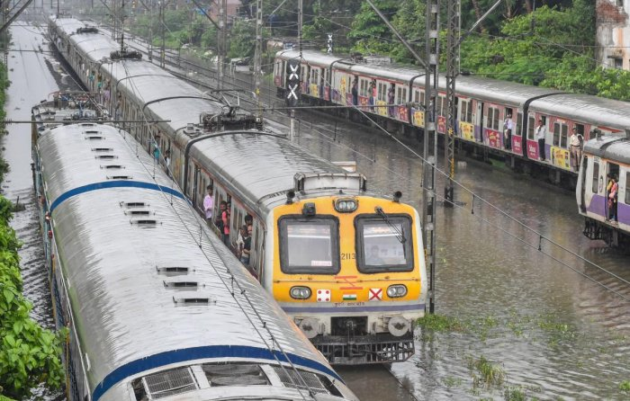 IMD's Mumbai-based Regional Meteorological Centre removed the heavy rainfall warning issued for Mumbai and its suburbs. (PTI Photo)
