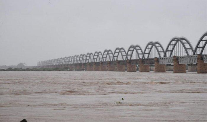 Godavari river in full force near Rajamahendravaram.