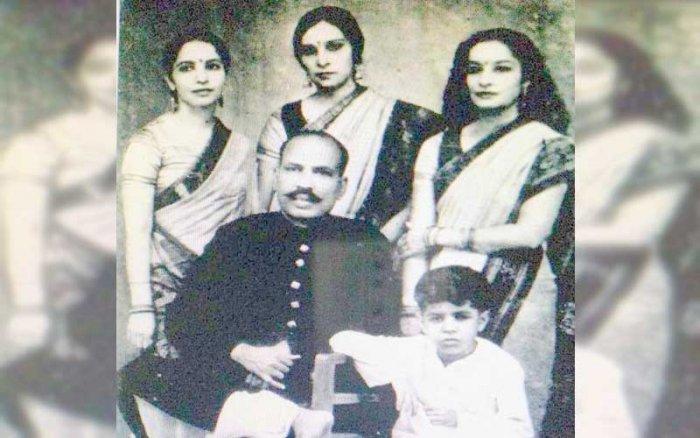 Poovaiah sisters, Sita, Chitra and Lata, with their guru, Jailal.