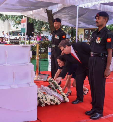 Dominic McAllister, British Deputy High Commissioner, lays wreath to the cenotaph at the Remembrance Day programme organised at St Mark's Cathedral on Sunday. DH Photo/S K Dinesh
