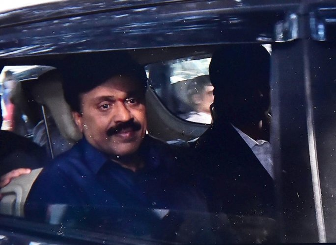 Mining Baron G Janardhan Reddy arrives at the CCB office in Bengaluru, Saturday, Nov 10,2018 .(PTI Photo)