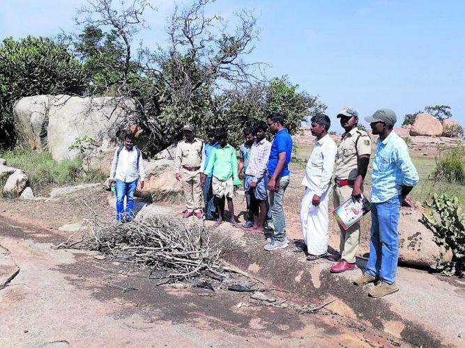 Kodigehalli police conducted mahajar of the spot where cowherds had poisoned the leopard in Kudligi, Ballari district.