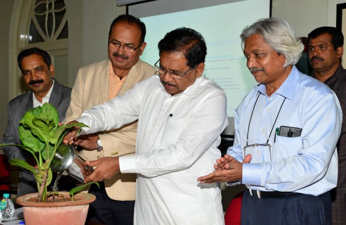 Deputy Chief Minister G Parameshwara at the inauguration of the first BCU Annual Distinguished Nobel Lecture Series on Friday. BCU Vice-Chancellor S Japhet and Registrar Ramachandra Gowda are seen. DH PHOTO/Ranju P
