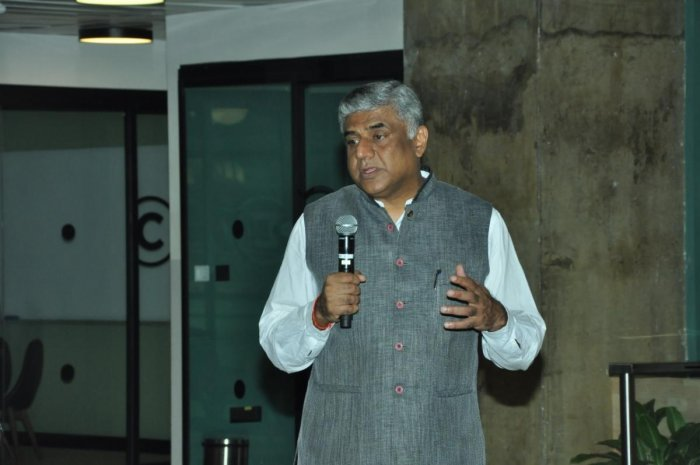 Rajya Sabha member Rajeev Gowda speaks at a consultation meeting with startups organised by the Congress party in Bengaluru on Sunday. dh photo