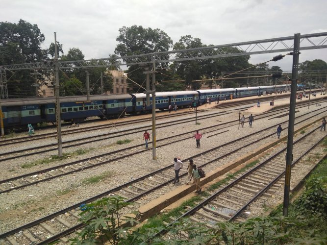 Residents want a new platform on the southern side of the railway station adjoining the Kadugodi bus stand.