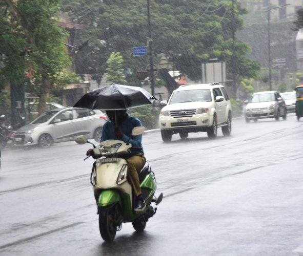 Previous studies have shown that we can expect both an increase in extreme weather events and a smaller increase in average annual precipitation in the future as the climate warms, but researchers are still exploring the relationship between those two tre