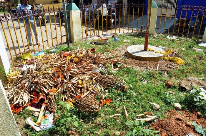 Waste dumped on the Suggikallu Mantapa premises.