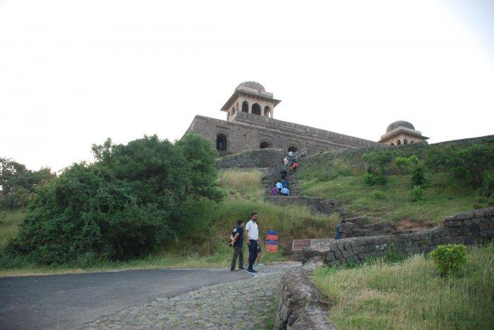Roopmati's Pavilion perched regally on the edge of a precipice