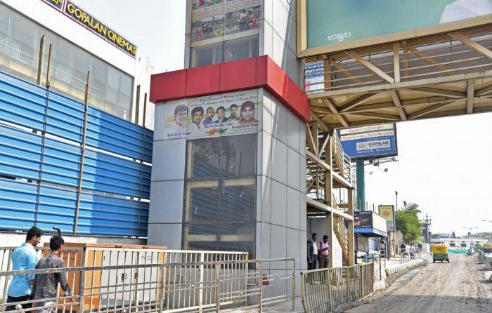 Lift at Sky walk in Mysuru Road, opp Gopalan Mall, Bengaluru. Photo by S K Dinesh