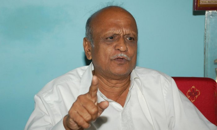 77-year old Kalburgi, the former Vice-Chancellor of Hampi University and a well-known scholar and epigraphist, was shot dead in broad daylight at his residence in Kalyan Nagar in Dharwad, Karnataka, on August 30, 2015. DH File Photo