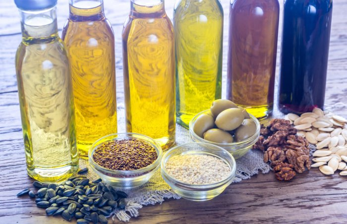 Cooking oils can be blended in different combinations to maintain a healthy ratio between polyunsaturated and saturated fats to achieve the ideal quality of fats.