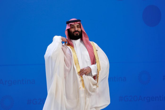 Saudi Crown Prince Mohammed bin Salman prepares for a family photo during the G20 leaders summit in Buenos Aires, Argentina November 30, 2018. (Reuters Photo)