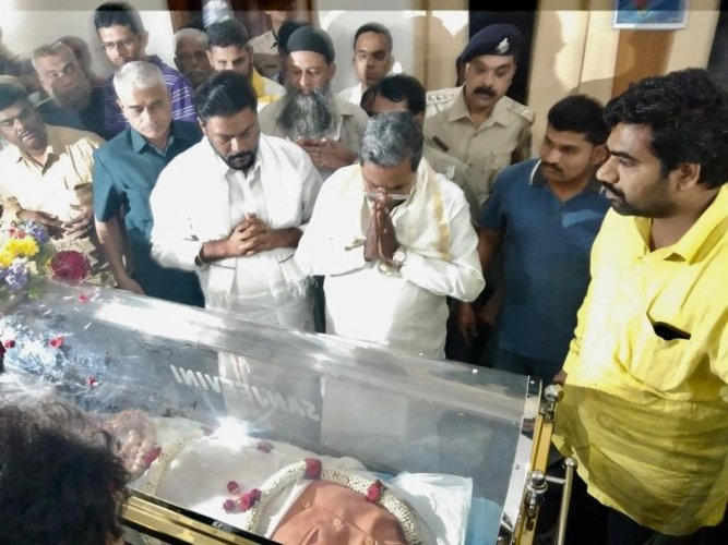 Former chief minister and senior Congress leader Siddaramaiah too said that Kumar's demise was a great loss to national politics.