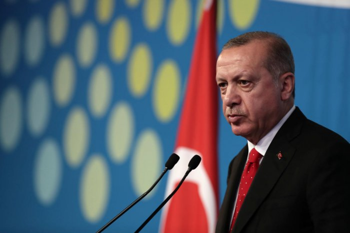Turkey's President Recep Tayyip Erdogan, delivers a press conference, on the second day of the G20 Leader's Summit, in Buenos Aires. (AFP Photo)