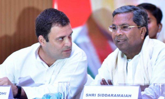 Congress president Rahul Gandhi and co-ordination committee chairman Siddaramaiah. (DH Photo)