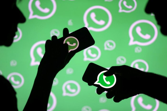 Tech Min meets with WhatsApp over tracing of fake news | Deccan Herald