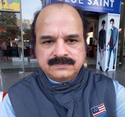 Dr Dileep