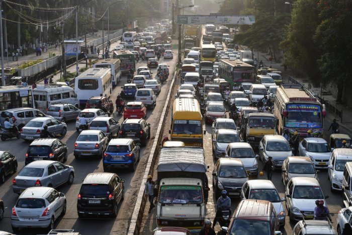 Promising a 30% reduction in road congestion, a Bengaluru-based startup has now approached the government to launch an intelligent traffic system that lets cars and bikes report violations automatically, alerting sensor-equipped intersections. Every time the driver jumps a signal, overspeeds or even shifts a lane, the system will get to work.