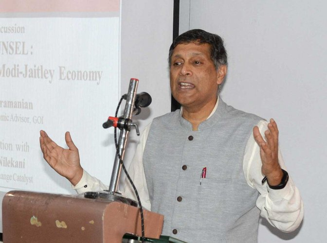 In yet another criticism of government eying for the reserve of the Reserve Bank of India (RBI), former Chief Economic Advisor Arvind Subramanian said that the surplus money can be used only for fixing the financial system. DH photo