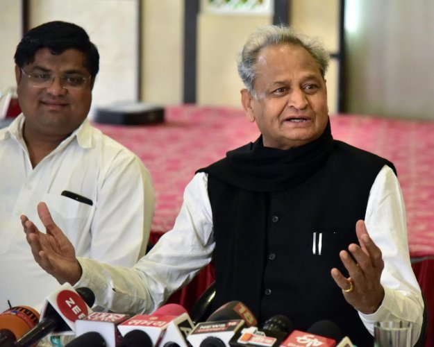 Echoing Pilot's views, former Rajasthan Chief Minister Ashok Gehlot assured that Congress will form a government with a majority.