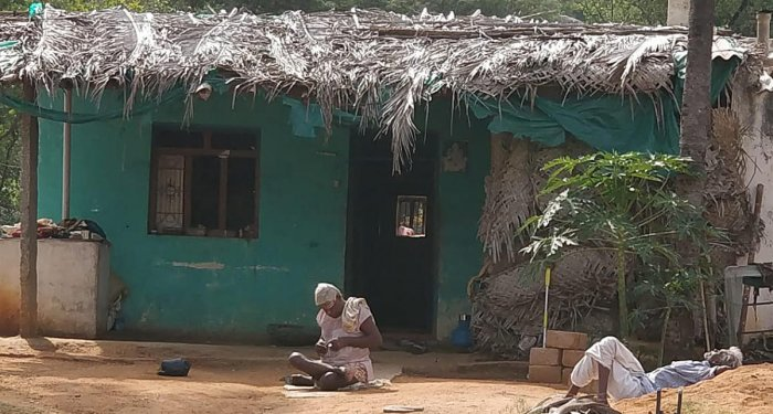 A villager in Kariyammanapalya of drought-hit Pavagada immobilised by skeletal fluorosis. DH Photo/ashwini y s