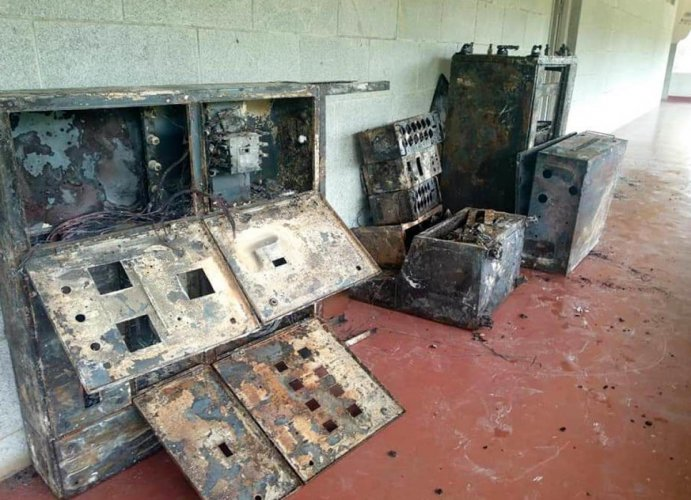 Goods and furniture worth Rs 40 lakh were gutted after fire borke out at Kalagrama auditorium on Jnanabharathi campus in Mallathalli on Thursday morning. Special arrangement