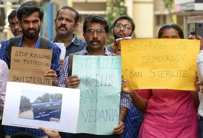 People demonstrate in front of the Vedanta office on MG Road on Thursday. DH Photo
