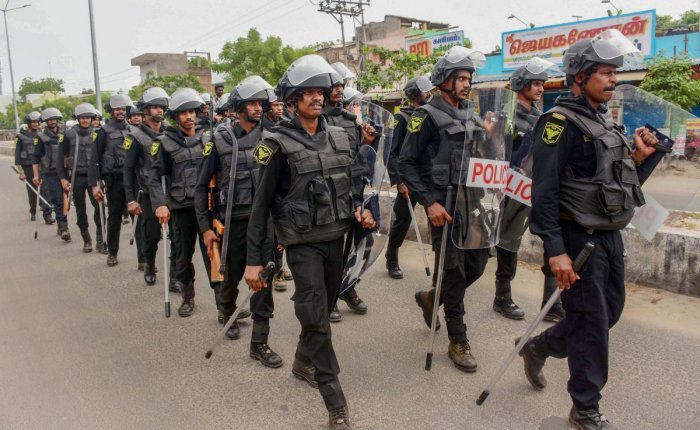 People said they were still scared to get out of their homes due to heavy police presence and appealed to the district administration to withdraw men in khaki from residential areas. PTI file photo