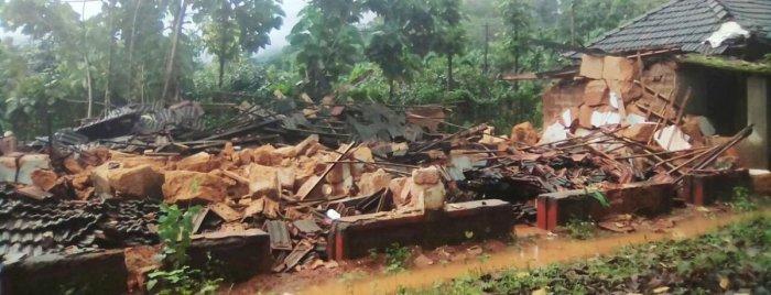 An old building at Kombaru near Kadaba has collapsed in the heavy rain.
