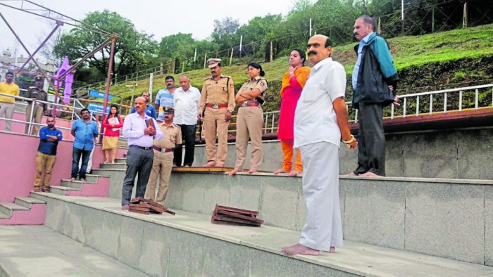 Deputy Commissioner P I Sreevidya and SP Suman D Pennekar review the preparatory measures at Talacauvery ahead of the Tula Sankramana.
