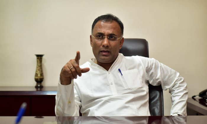Accusing BJP of still trying to poach Congress MLAs, Karnataka Pradesh Congress chief Dinesh Gundu Rao on Tuesday alleged that it was trying to bring down his party's coalition government with JDS in the state. DH file photo