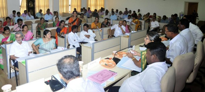 A view of the Zilla Panchayat meeting.