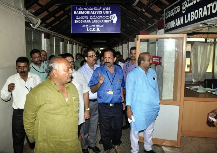 Health Minister Shivananda Patil visited the district government hospital in Udupi on Saturday.